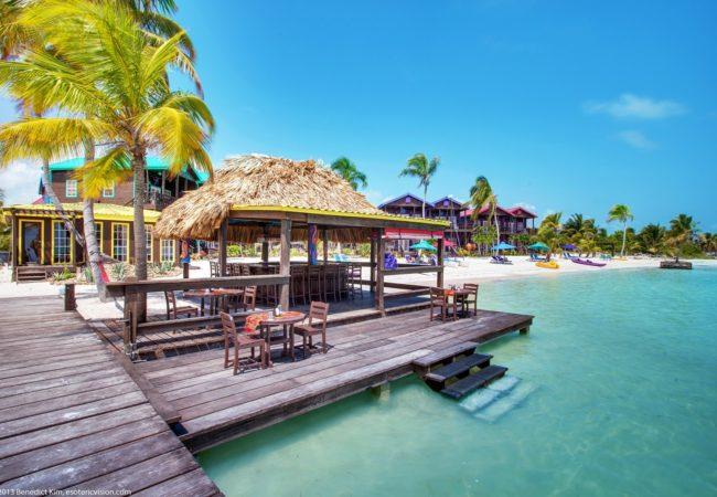 """X'tan ha """"The Waterfront""""- san pedro Belize"""