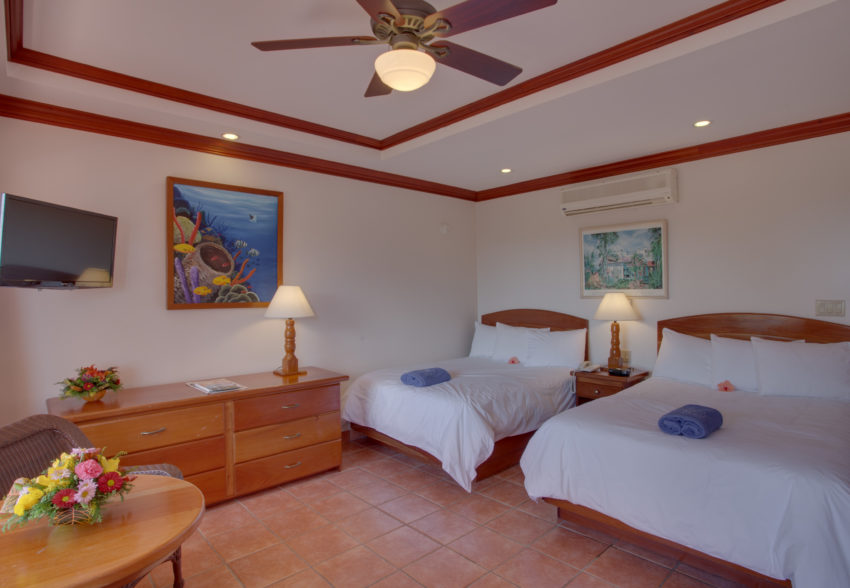 Deluxe rooms at sunbreeze hotel belize