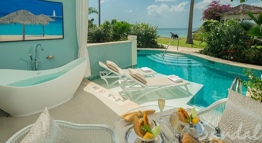 Beachfront Crystal Lagoon Swim-up Butler Room w/ Patio Tranquility Soaking Tub - SBT