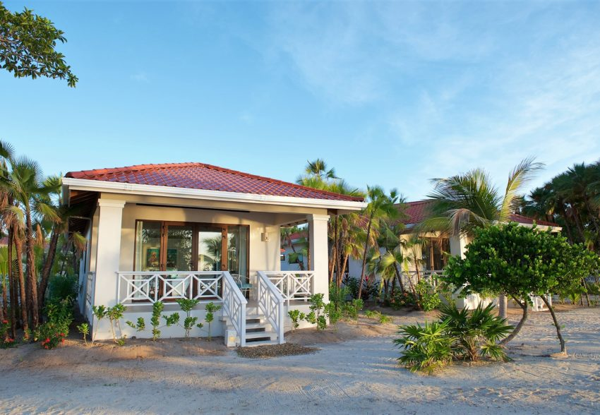 studio beachfront houses at naïa resort placencia belize