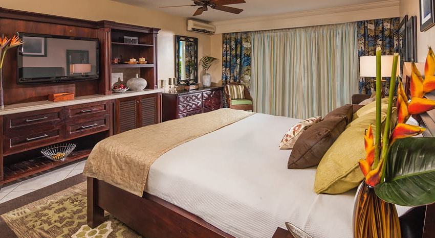 Caribbean Deluxe Family Sized Room, Beaches Ocho Rios