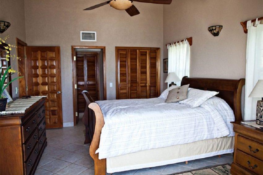 Three Bedroom Beachfront Suites, Pelican Reef Villas