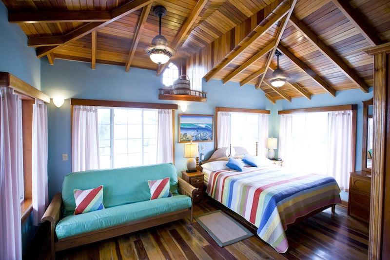 Oceanfront Suites, At Blue Tang Inn