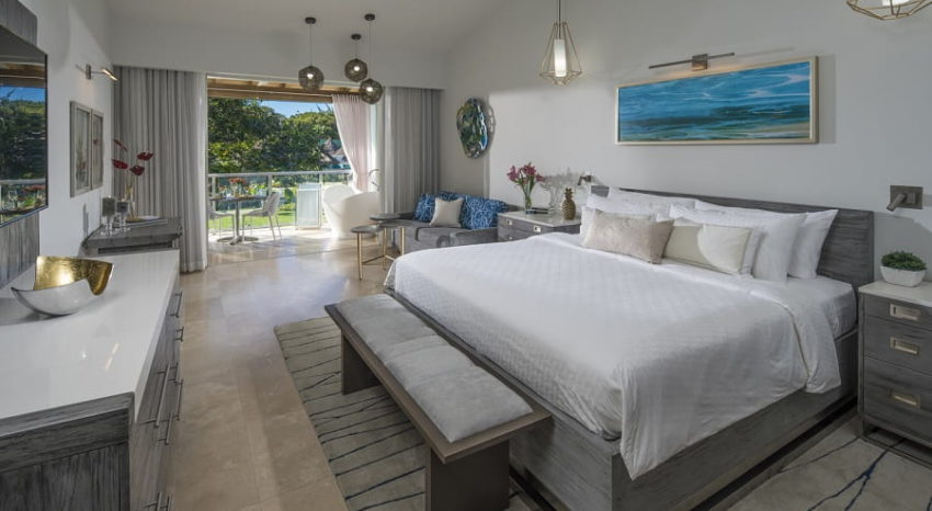 South Seas Club Level Junior Palm Suite with Outdoor Tranquility Soaking Tub, Sandals Royal Barbados