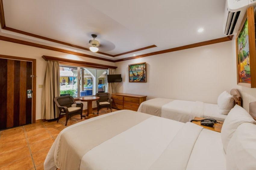 Deluxe Rooms, Sunbreeze Hotel