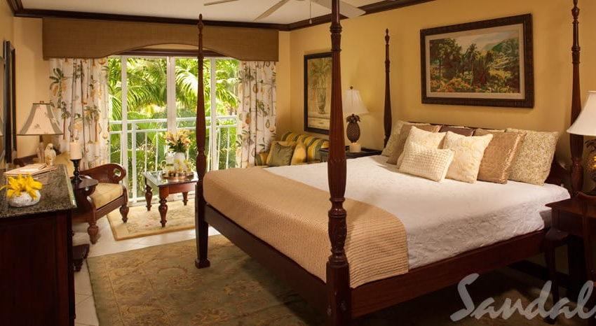 Luxury Poolside, Sandals Regency La Toc