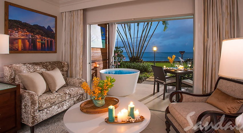 Emerald Beachfront Walkout Club Level Junior Suite with Patio Tranquility Soaking Tub, Sandals Regency La Toc
