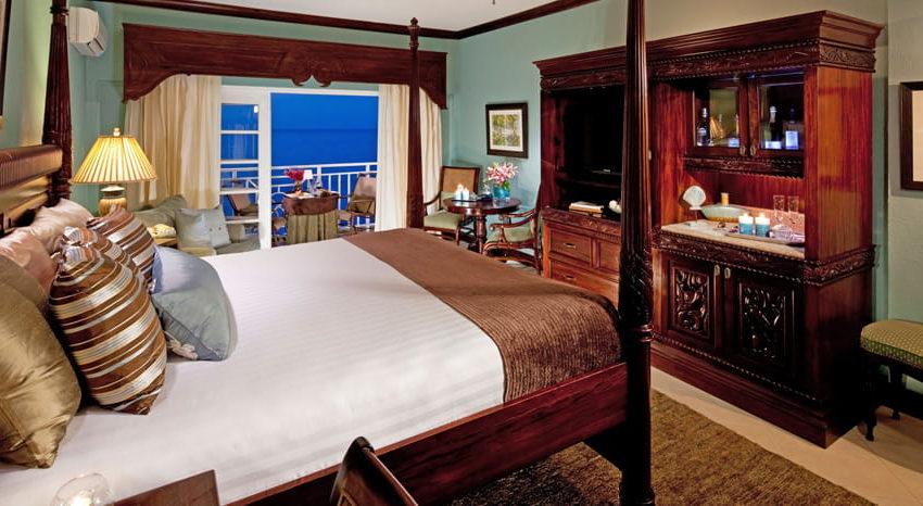 Riviera Honeymoon Beachfront Penthouse Club Level, Sandals Ochi