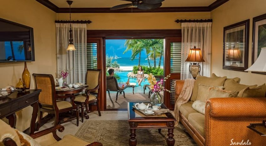 Swim up Crystal Lagoon Beachfront One Bedroom Butler Suite, Sandals Negril