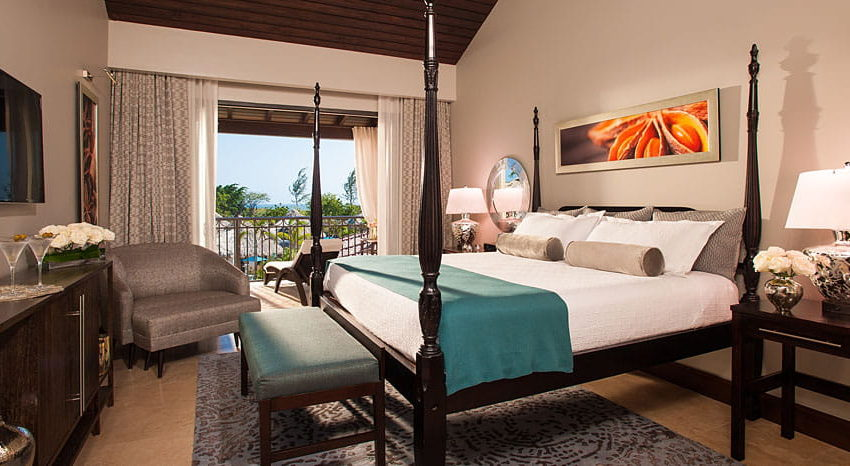 Pink Gin Beachfront Walkout Club Level Room with Patio Tranquility Soaking Tub, Sandals Grenada