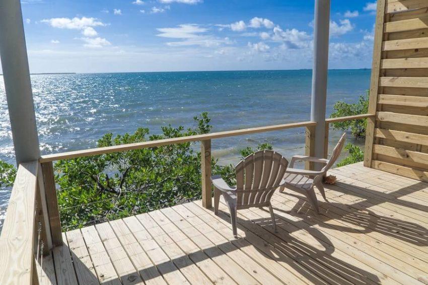 Oceanfront Cabanas, Thatch Caye Island Resort